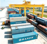 International freight forwarding container shipments